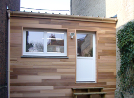 bardage red cedar sur un garage de 20m ambiance wood. Black Bedroom Furniture Sets. Home Design Ideas